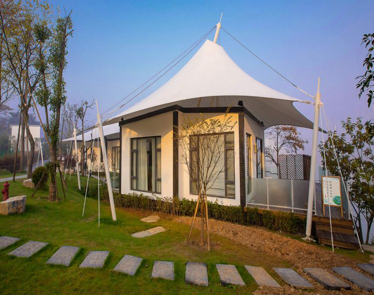 Hotel and Resort Tents