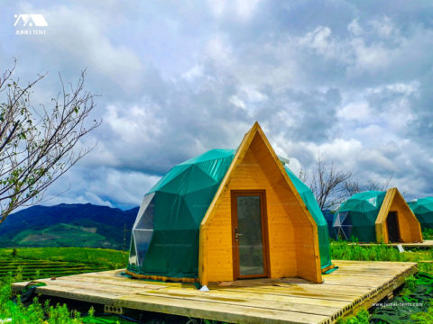 New Design Glamping Dome Tent with Spire Shape Wood Door